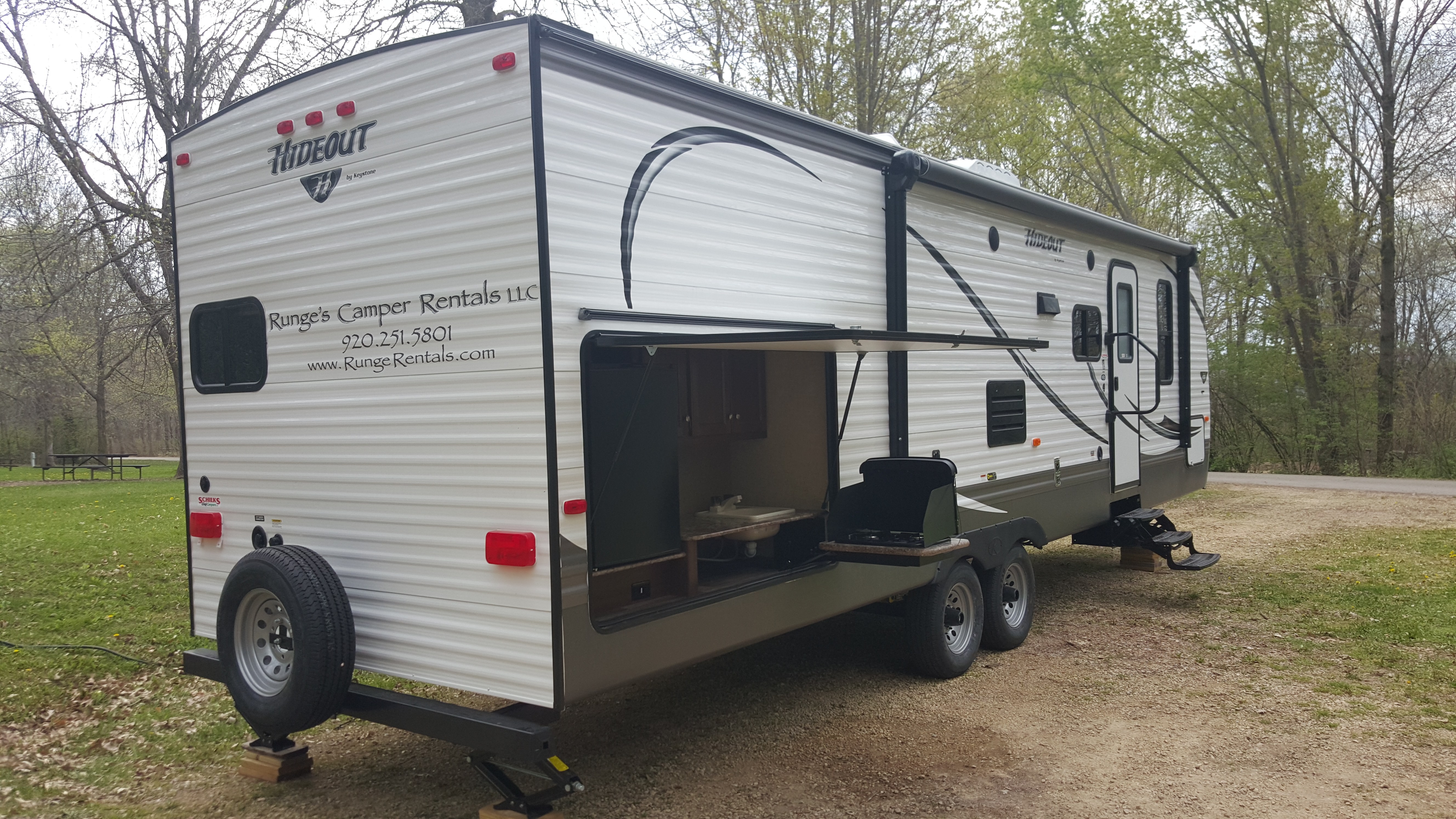 Camper Trailer Kitchen Runges Camper Rentals Llc Rent A Camper Camper Rentals
